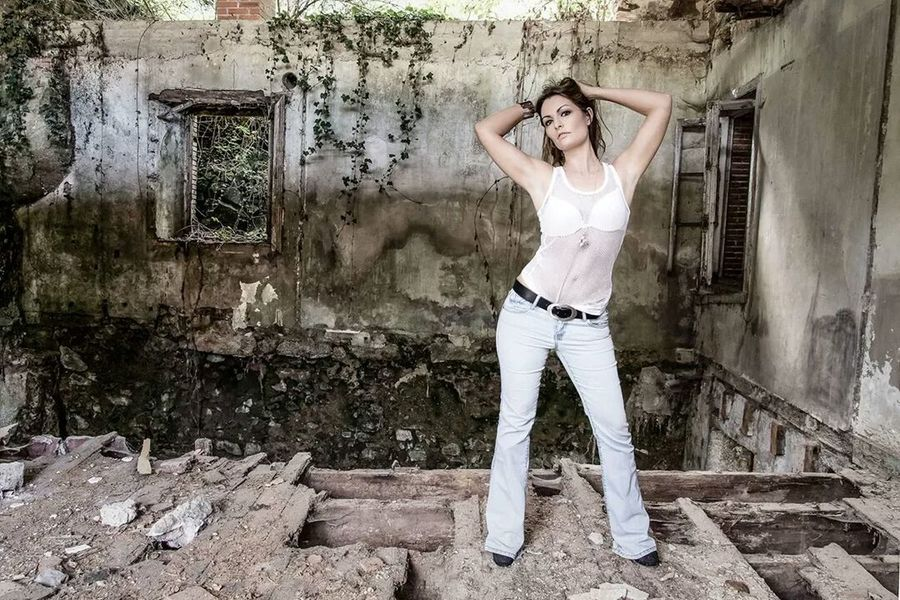 Abandoned Buildings Fashion Photography Bookphoto Shooting www.lestudiodelaphoto.com
