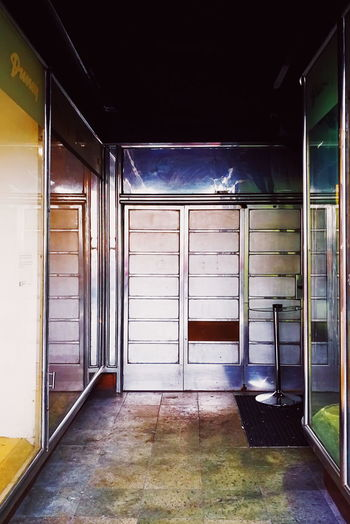 Architecture Entrance Door Built Structure Indoors  No People Building Glass - Material Empty Window Day Flooring Wall - Building Feature Transparent Sunlight Doorway Ceiling Absence Tiled Floor