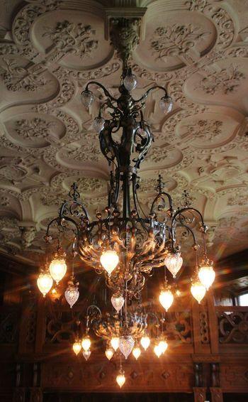 Lumen Castle Sweden EyeEm Selects Illuminated Hanging Electricity  Lighting Equipment Close-up Chandelier Crystal Crystal Glassware Bauble Light Fixture Electric Light Lit Bulb Ceiling Hanging Light