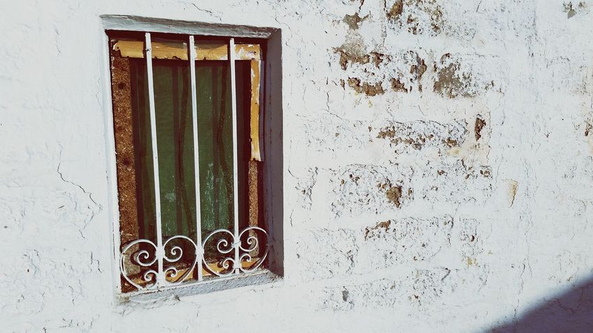 Window Windows Window Art Windows And Doors Green Green Window Green And White Wall Wall - Building Feature White Wall White Walls Textures And Surfaces Artistic Expression Point Of View Poetic Photography ArtWork EyeEm Best Shots EyeEm Gallery Eyeem Market Houses And Windows House Window Shopping Details Vintagestyle Vintage