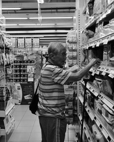 Fujifilm_xseries Fujifilm FUJIFILM X-T2 FujiAcros Streetphotography Street Photography Street Streetphoto_bw Fujinon23mm Fujinon 23mm F1.4 Noiretblanc Supermarket Choice Choosing Retail Display My Best Travel Photo EyeEmNewHere