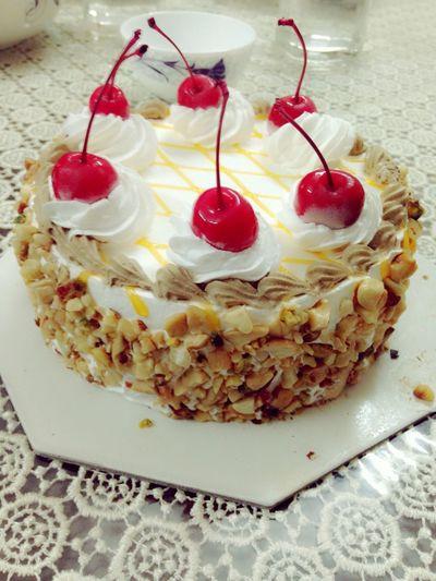 Having Cake YaMMee Yamme Cake Enjoying Cake !!!