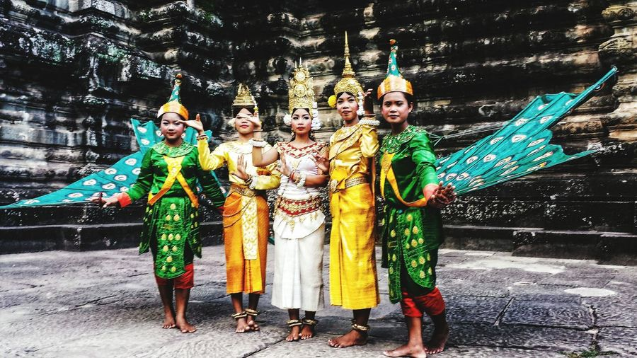 Angkor Khmer Traditional Shade Angkor Thom Southeast Asia ASIA Siem Reap Siemreap Ancient History Temple Empire Ruins Evening Outdoors Smile Traditional Costume