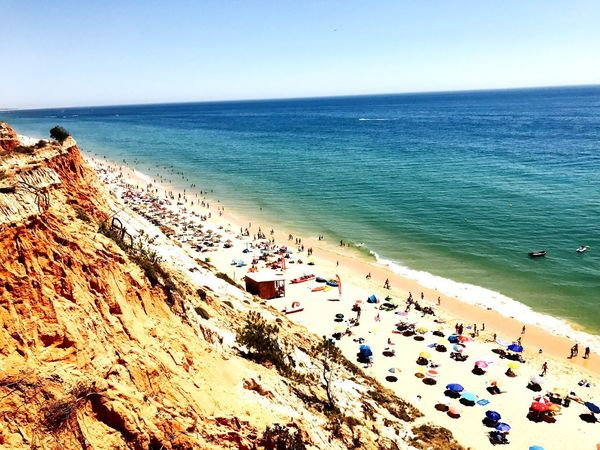 Portugal Strand Urlaub Praia Da Falésia Algarve Sea Beach Horizon Over Water Large Group Of People Scenics Water Beauty In Nature Nature Clear Sky Real People Vacations High Angle View Outdoors Tranquility Day Tranquil Scene Sand Rock - Object Leisure Activity Blue