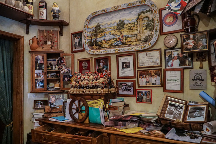 Ristorante Day Display Food Indoors  Large Group Of Objects No People Picture Frame Restaurant Retail  Ristorante Da Mimmo Ristorante Italiano Variation