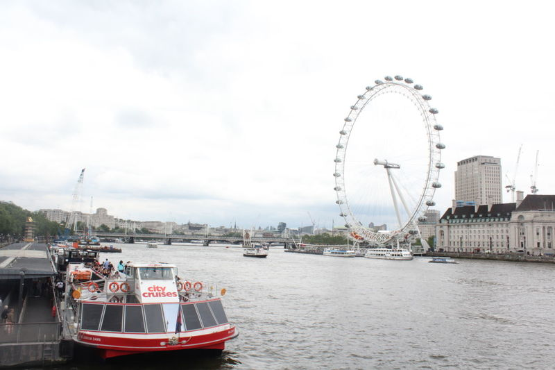 Back to London, I miss it London Eyeoflondon Uk Famous Place Travel Destinations Water TamisaRiver River Bridge Traveling The World Canonphotography Canon1200d Missinglondon My Year My View Miles Away