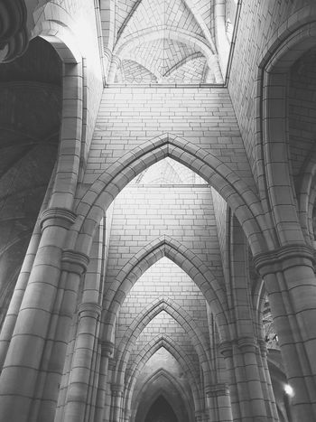 Arch Architecture Ceiling History Built Structure Religion Indoors  Low Angle View No People Place Of Worship Dome Day Brisbane Tranquil Scene God Is Good Blessed  Looking Up Black And White VSCO Symmetry