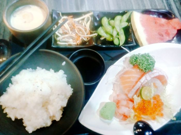 Photoshoot Japanese Food Delicious Foodphotography Relaxing Girlstime  Sashimilovers 刺身定食