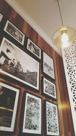 Love the photos in this place , reminders of a beautiful place Nostalgia Malaysian Food Lunchtime! Decor Restaurant Eating Everything In Its Place Interior Views