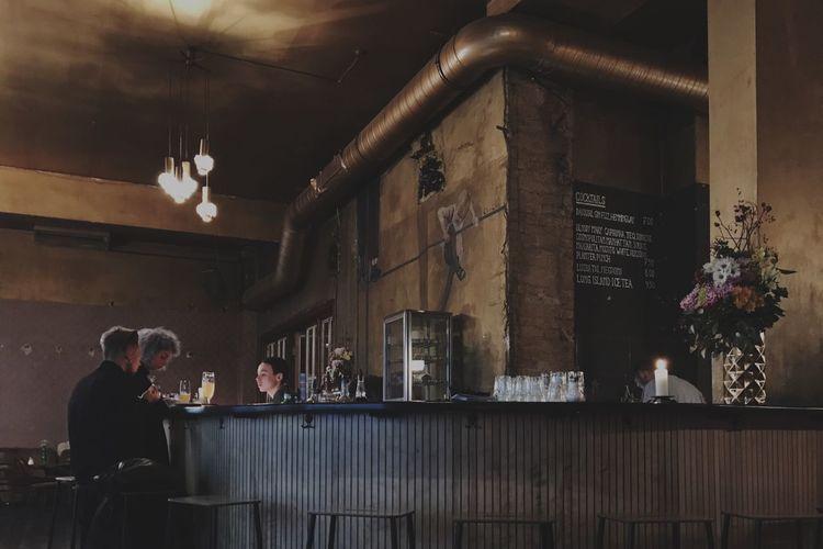 Midas Touch. Bar Cafe Gold Berlin