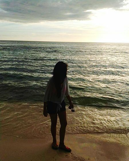 That's Me Relaxing Resort Swimming Sky Beach Enjoying Life Silhouette Walking By The Beach Seashore