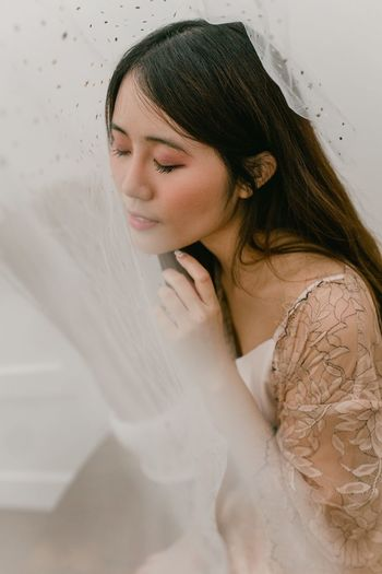 Softly Portrait Girl Portrait Of A Woman One Person Women Young Adult Real People Portrait Headshot Adult Young Women Beauty Lifestyles Hair Long Hair Beautiful Woman Veil Contemplation Looking Down