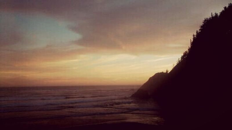 Beach Photography Beach Sunset Beautiful ♥ Sunsets Of Eyeem Sunset Clouds And Sky Beauty In Nature Ocean Landscape_photography Outdoorlife Relaxing Cannon Beach, Oregon Original Experiances Lost In The Landscape