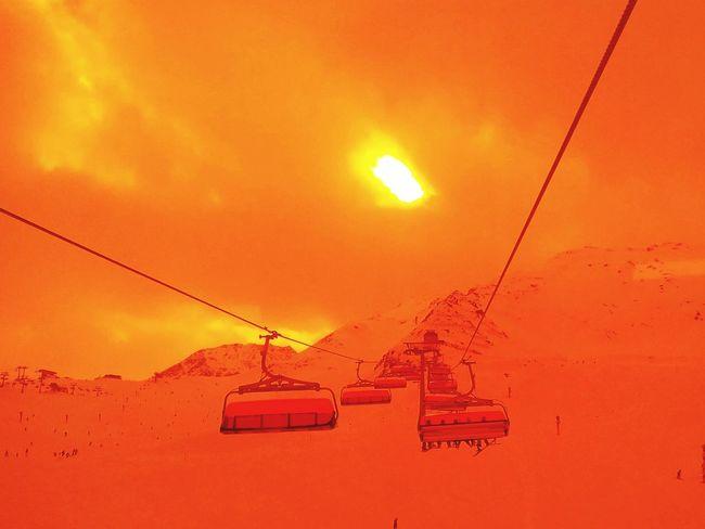 End of the season, Orange Bubble
