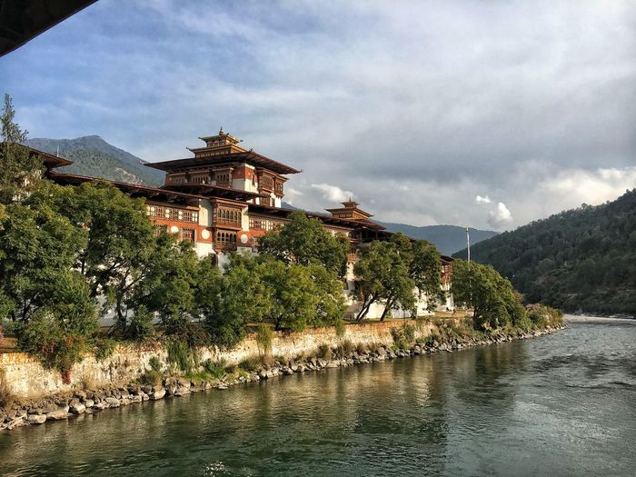 Punakha Dzong Bhutanese Culture Bhutanese Architecture Bhutan Diaries Travel Photography No People Bhutan Mountain Tree Lake Water Sky Architecture Cloud - Sky Landscape Travel Building Exterior