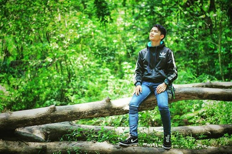 Taken by: 👏👦HaHa_photograph Location: jungle Photography Man Stylish Beautifuljungle Green INDONESIA Save Earth Younggeneration Like4like Followme Jejakpetualang