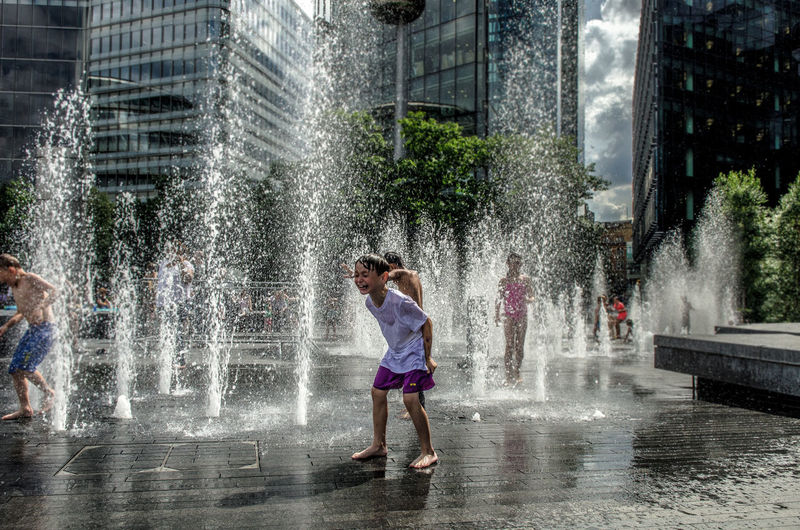 I was walking in London in that hot morning when I saw the kids playing in the square. The beauty of youth is to know how to find joy in the simple things. EyeEm LOST IN London Fun London Architecture Child Children Only City Day Drop England Fun Girls Motion One Person Outdoors Refreshment Splashing Spraying Tree Uk Water Wet Young Adult