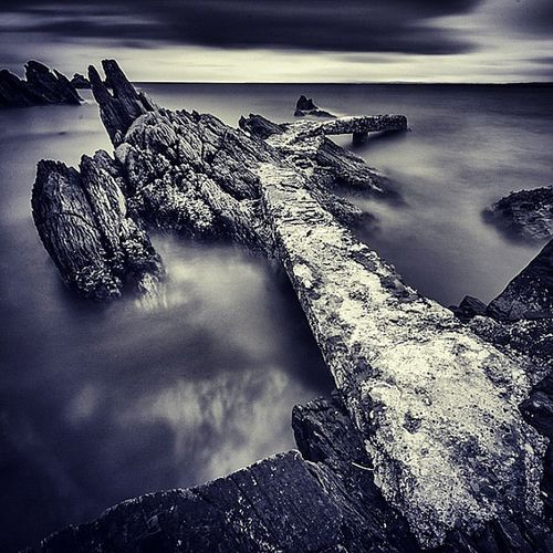 Been planning to visit this wee pier up on the Inisowen peninsula for ages, got there for a sunset and the weather was awful. So I went for black and white and put a 10 stop filter on. A revisit is on the cards. Exif Canon 1d mk3 Canon 10-20mm Iso200, f:11 @ 90sec, 10stop filter Insta_ireland Inspireland_ loves_ireland discoverireland wave sea odonnellphotography thisisdonegal thisisIreland wanderireland wildatlanticway seascape bnw 10stop donegal pier rock