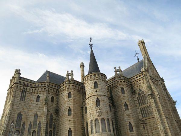 Palacio episcopal de Astorga diseñado por Gaudí. Sin edición. No Filter, No Edit, Just Photography Architecture