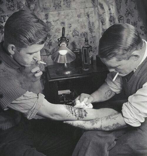 Il Passato è nel Presente... Tattoo Sigarette Sigarets Passato Blackandwhite Life Vinx Men