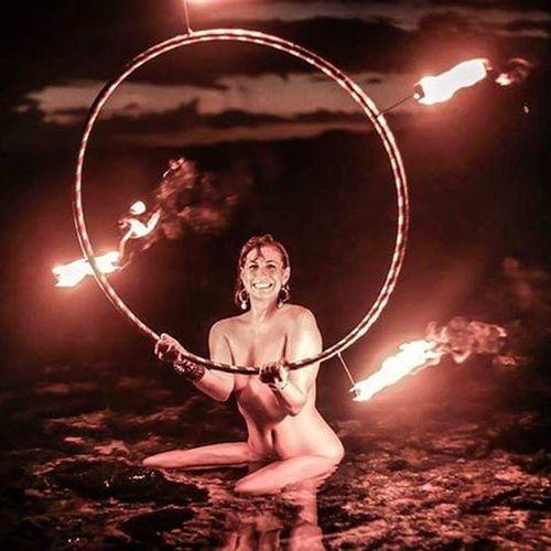 Fire goddess Maui Artnude Beautiful Goddesses Freethegoddess FreeTheNipple Youonlyliveonce Befree Mauiphotography Mauinokaoi Beach Hawaii Fire Pyro Pyrohearted Flowarts Flo Firedance Seanymph Firesiren Burningwoman Hoop Love