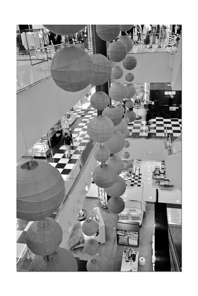The Westfield San Francisco Centre 14 The Architect - 2016 EyeEm Awards Upscale Urban Shopping Mall Open 1991 Floors & Escalators Interior Design Geometric Patterns Pattern Pieces Shapes And Patterns  Lines And Angles Shapes And Textures Urban Photography Architecture Architecture_collection Architectural Detail Displays Black & White Black And White Black And White Collection  Monochrome Black And White Photography Monochrome_Photography Crepe Globes