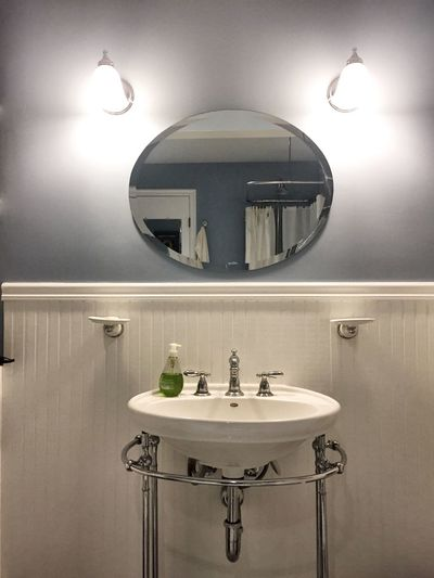 Lighting Equipment Faucet Bathroom Illuminated Bathroom Sink Domestic Bathroom Indoors  Modern No People Domestic Room Day Mirror Sink Faucets Porcelain  Wall Eye4photography  EyeEm Gallery EyeEmBestPics Sconce Soap