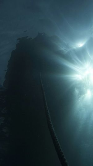 Underwater Photography the sun from underwater.. Sixth Continent