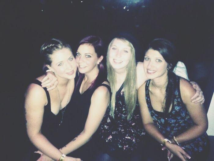 girls ? Girls Friends Hiltl