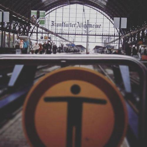 Frankfurt Frankfurtstation Achtung Station