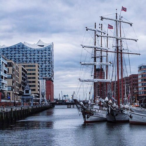 Sandtorkai Elbphilharmonie Hamburg Architecture Sky Built Structure Water Building Exterior Cloud - Sky City Nature Day Building Waterfront Outdoors Sailboat No People