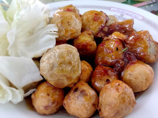 Fried Fish Balll Food And Drink Indoors  Food Close-up Freshness Meal Healthy Eating Large Group Of Objects Abundance Heap Plate Brown Appetizer Ready-to-eat Cooked Red Extreme Close Up Collection Temptation Indulgence Fish Balls Fish Ball Fried Fish Ball