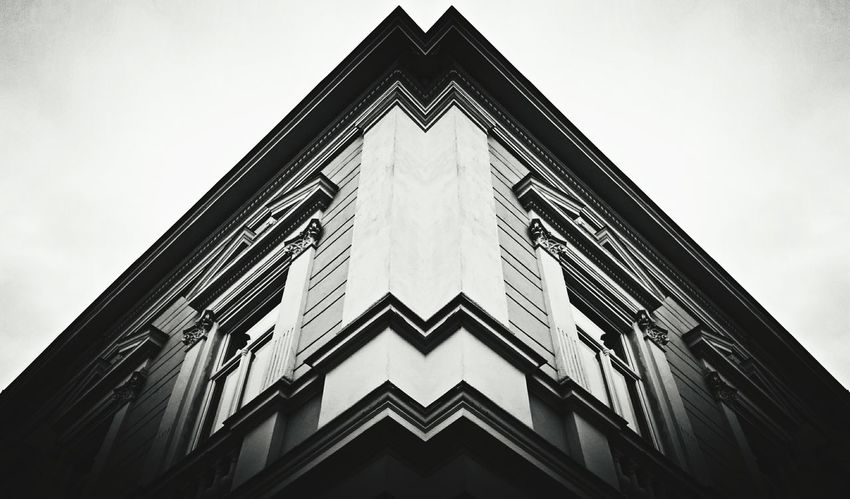 Windows Sky Blackandwhite Building On A Walk House Architecture Architecture_bw
