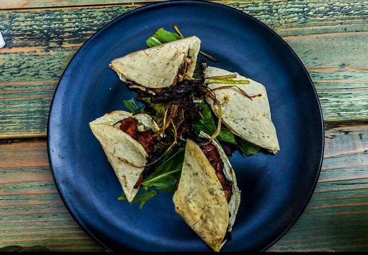 Eye Em Food Lover Gourmet Food Restaurant Gastronomía Octopus By The Grill Spinach Salad Bistro Restaurant DantesGatroMed&Raw