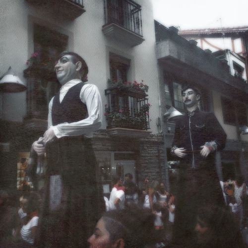 Streetphotography Architecture Real People People Fiesta Fiestas De Deba Gigantes Folklore Traditional Debako Jaiak