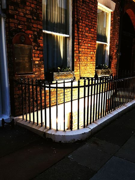 Window Built Structure Architecture No People Outdoors Light Light And Shadow Dusk In The City Dusk Ambience Architectural Feature Windows Georgian Architecture Rodney Street Liverpool The City Light EyeEmNewHere
