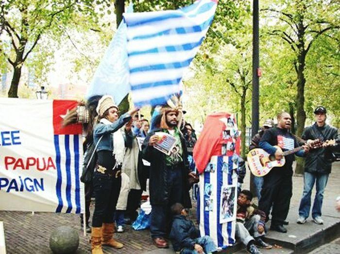 Benny Wenda In London Patriotism Flag Patriotism West Papua Flag Celebration