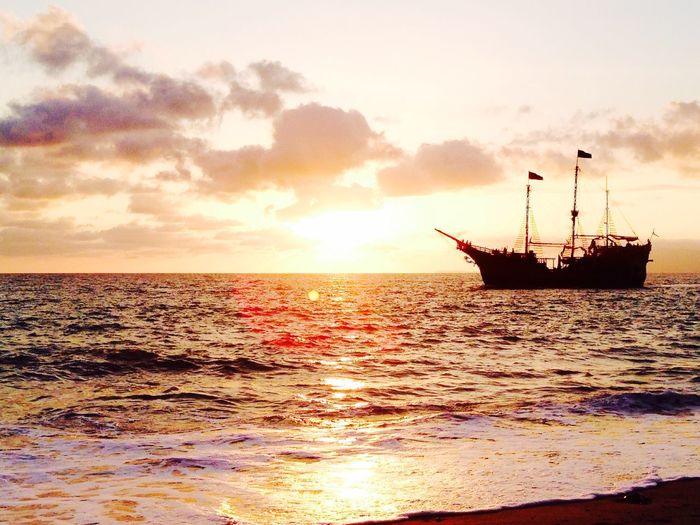 Sea Sea And Sky Sun Light Sunset Darkness And Light Perfect