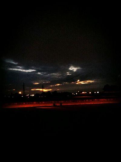 Sky_collection Beautiful Sky Picoftheday Eyeinthesky Cartolina Sky Sky And Clouds Cloudy Sky GoToWork Good Morning☺