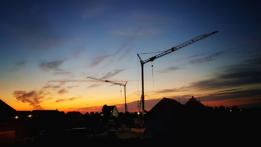 Good Night 😘 my friends Sunset Silhouette Sky No People Bird Cloud - Sky Outdoors Nature Flying Beauty In Nature Day Samsung S7 Germany🇩🇪 My Picture 2017 Light And Shadow Focus On Foreground EyeEm Best Shots - Sunsets + Sunrise Sunlight Sunset Sunrise Multi Colored Samsungphotography First Eyeem Photo This Week On Eyeem Low Angle View