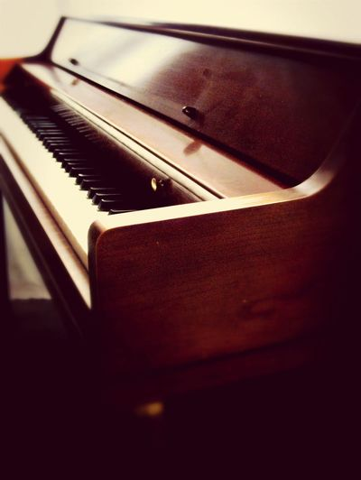 ? A Player Piano? Na, it's a Piano you Play... IPhoneArtism EyeEm Best Shots Music Music As Art