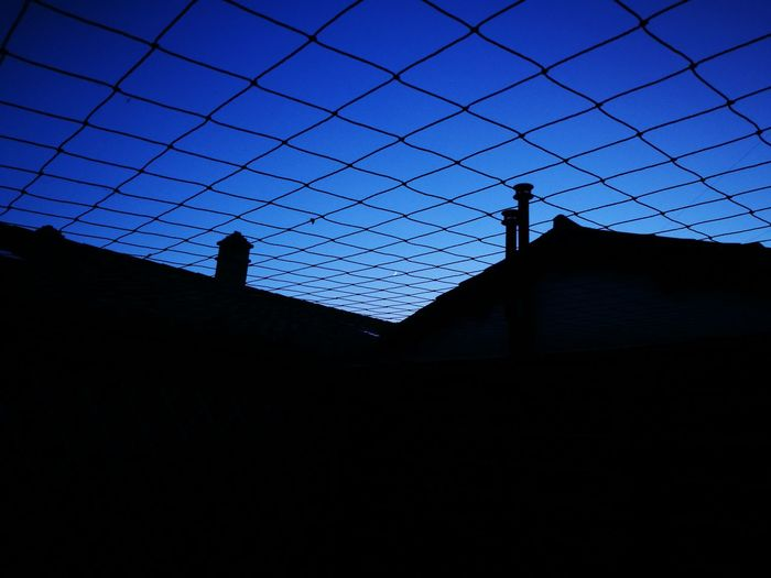 Chi vive nella liberta' ha ub buon motivo per vivere combattere e morire. Freedom Moonlight Blu Moon Sky Prison Sky Nature The Street Photographer - 2017 EyeEm Awards Art Is Everywhere The Secret Spaces