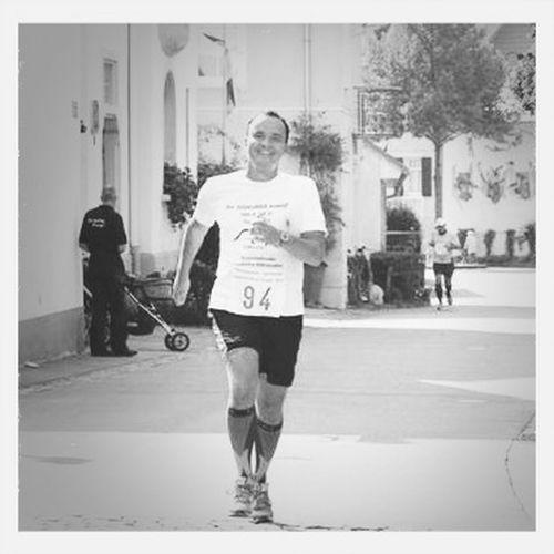 Singen, September 2013. Die letzten Meter vom ersten Halbmarathon.