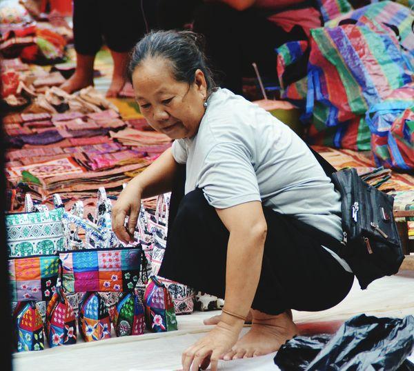 Waitingforyou Live Woamen EyeEm Selects Working Multi Colored Business Market Choice Bazaar Street Market Souvenir
