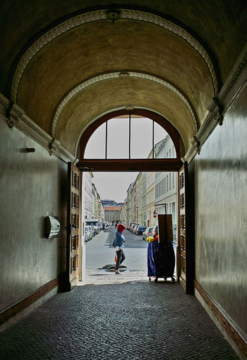Walking Around Berlindeyasam Streetphotography Old Hallways
