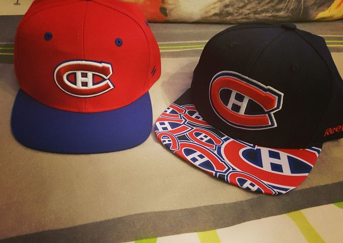 Cap NHL Moda Montréal Canadiens Style Cloth Hockey Lifestyles Fan USA Monday Gift Day No People Indoors  Close-up First Eyeem Photo