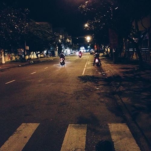 Byline 👣🚲👣 Byline Way Night Walk alone light VSCOcam VSCOcamphotos CanTho CầnThơ VietNam ViệtNam instagood 산책 혼자 빛