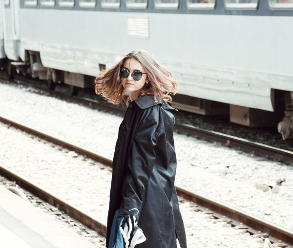 VENT Architecture Girl Train Station Train Train - Vehicle Fashion Mode Model Modelling Journal Black Fashion Photography Dress Trenchcoat Trench Light White Hairs Movment