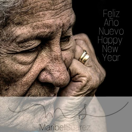 Feliz año nuevo! Happy new year! ❤ Human Face One Person Human Body Part People Mature Adult Human Representation Streetphotography Touching Real People Beauty Portrait One Woman Only Exhibition Center RePicture Ageing Street Portrait Contemplation The Human Condition Human Skin Human Hand Exhibition Pieces Exhibition Exhibit Art Photographic Photograph Photographer Gallery Visitor Watchers Watch See Look Looking Private Public Blurred Blur Out Of Focus Photography Documentary Reportage Street EyeEm Best Shots Facial Expression Wrinkled Blackandwhite