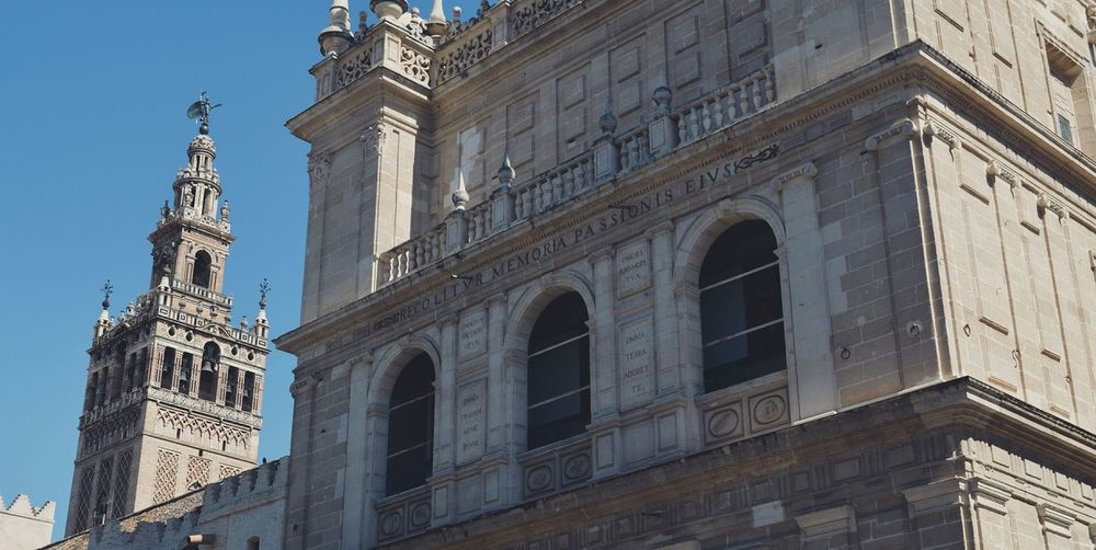 Cathedral Taking Photos Hanging Out Architecture Giralda Tower Summer Picoftheday Landscape Art